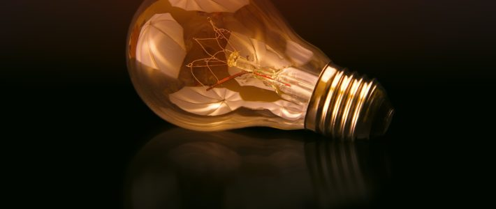 ampoule allumée ve en transparence